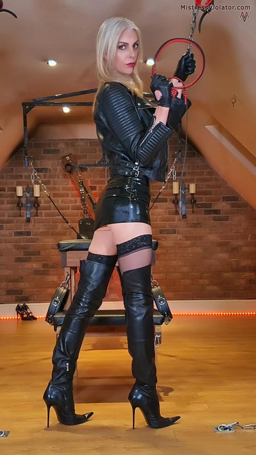 Trans dominatrix shemale maitresses