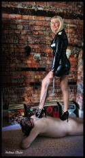 mistress pamela isley Dominatrix